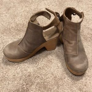 Free People Amber Orchard Clog sz 39